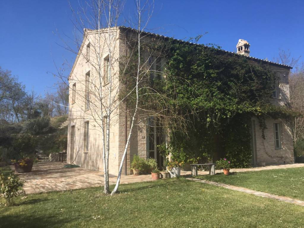 foto  Farmhouse, excellent condition, 350 sq.m., Petritoli