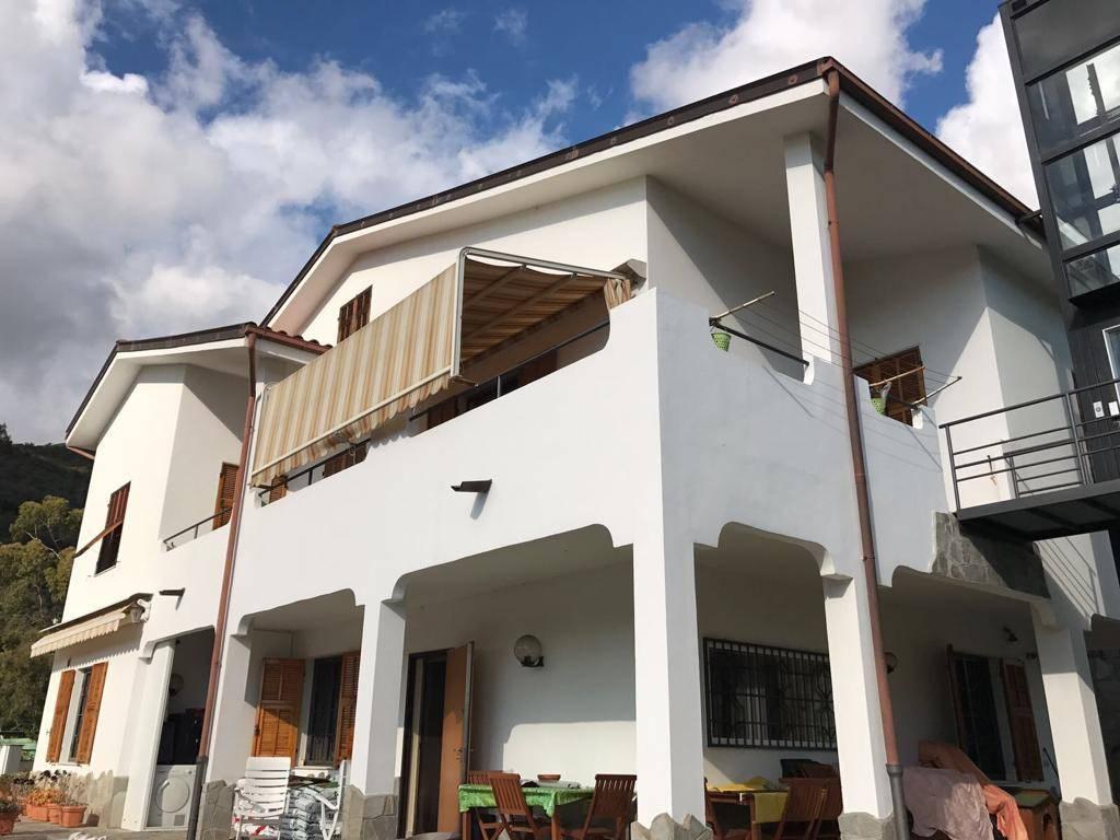foto  Multi-family villa, excellent condition, 340 sq.m., Castellaro