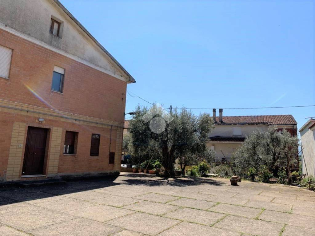 foto Stabile Appartamento via Salerno Rosario, Rende