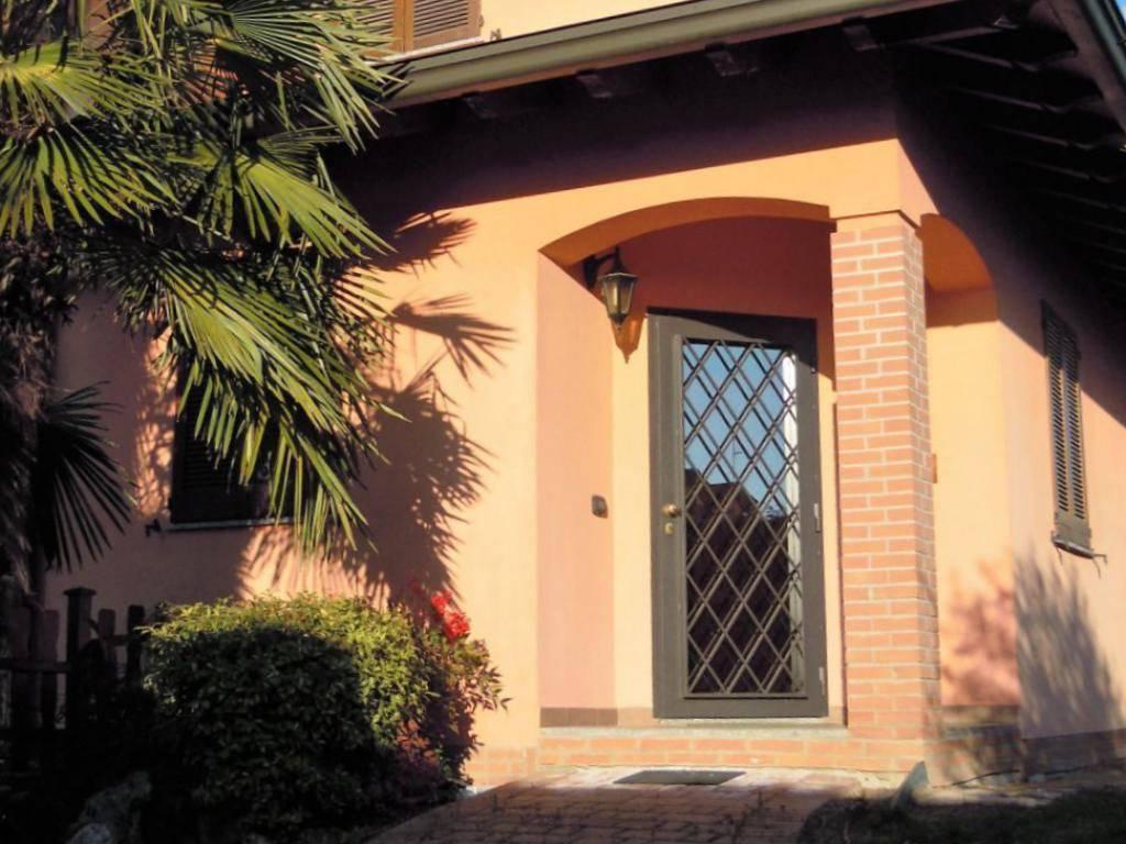 foto  Two-family villa via Giosuè Carducci 11-5, Noviglio