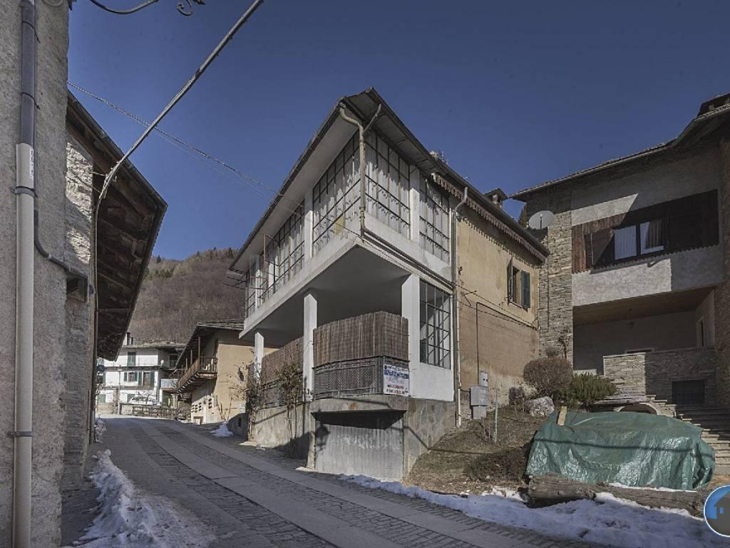 foto facciata Detached house via Duca Amedeo, Rorà