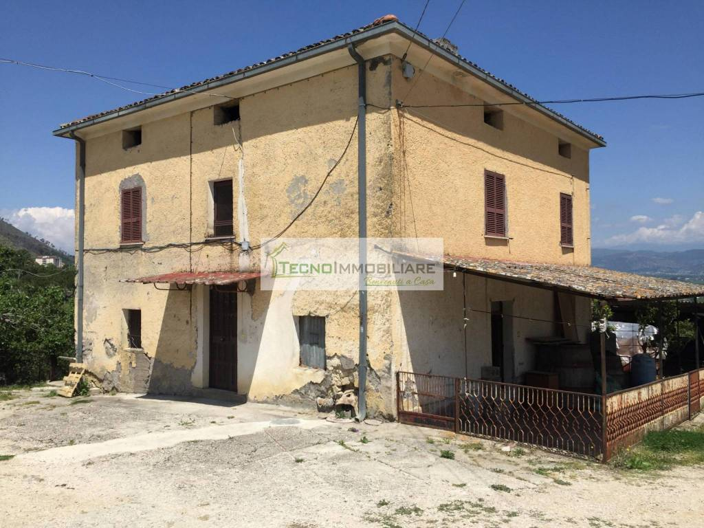 foto  Farmhouse via Zagannea, San Giovanni Incarico