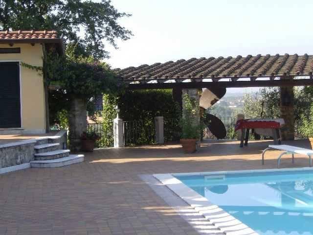 foto piscina Villa unifamiliare via Salicello, Castelnuovo Magra