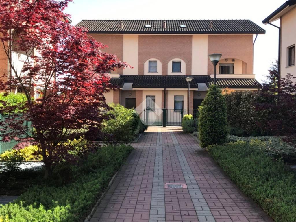 foto  Two-family villa via piave, Cesate