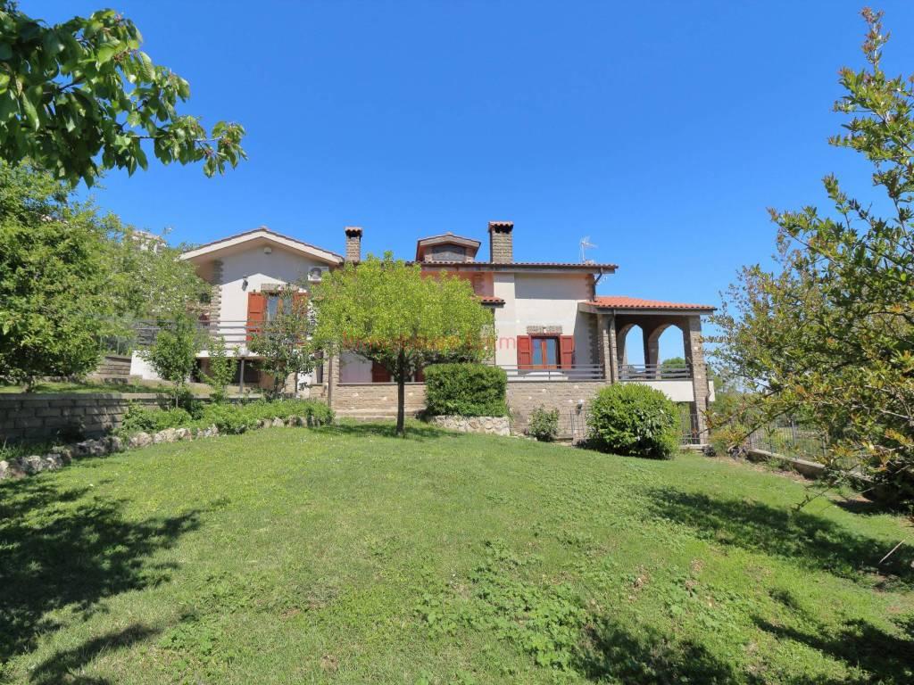 foto esterno Villa bifamiliare via Giuseppe Tassi 12, Tolfa