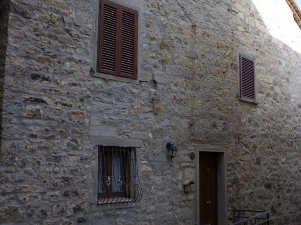 foto  Stabile o palazzo via Camillo Benso di Cavour, Castiglione Messer Marino