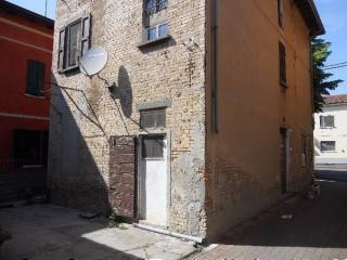 Photo - Detached house 180 sq.m., to be refurbished, Campegine