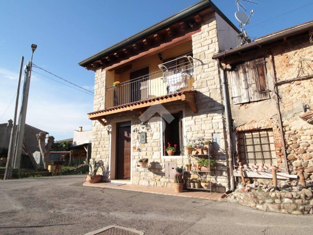 foto  Villa a schiera 4 locali, ottimo stato, Roverbella