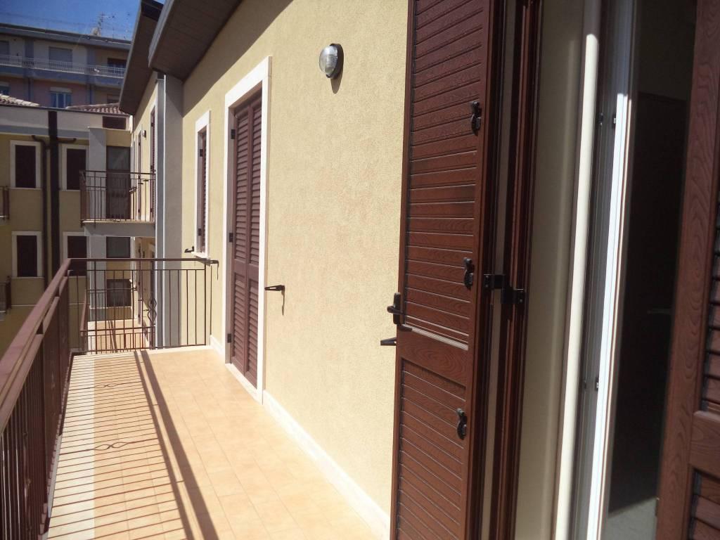 foto balcone Stabile o palazzo via Camillo Benso di Cavour 148, Riposto