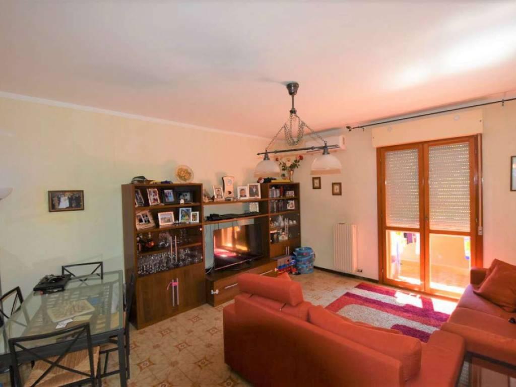foto SOGGIORNO 3-room flat via via Rossini 3, Vizzolo Predabissi