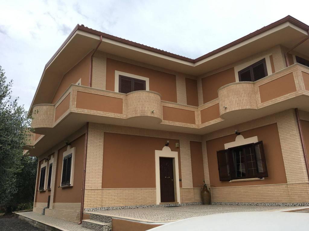 foto  Villa bifamiliare via Francesco Antonio Barone 4, Palmi
