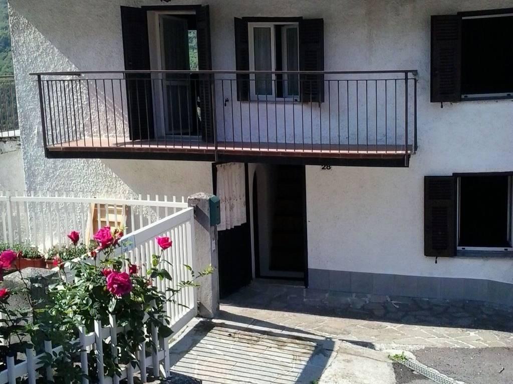 foto  Casa colonica frazione Volpara, Albera Ligure