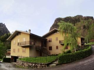 Foto - Trilocale via Castello 1, Roncobello