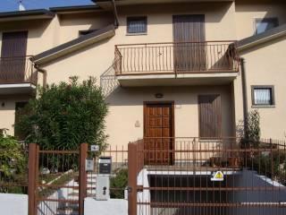 Foto - Villa a schiera via Fontanelle 16, Medolago