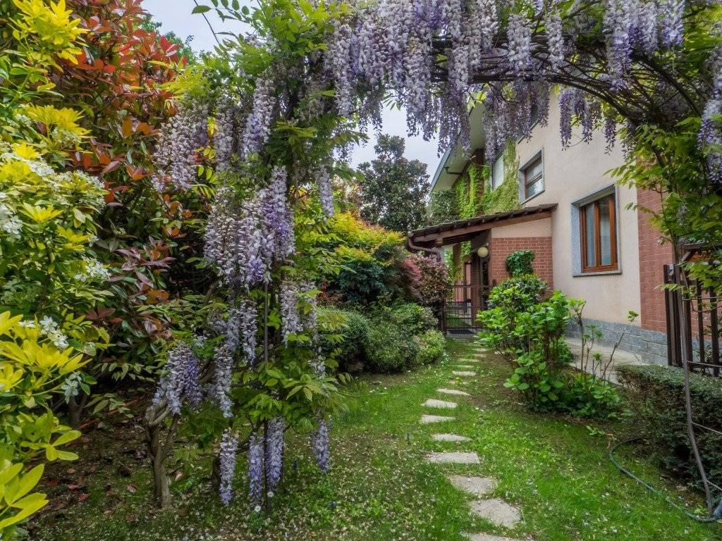 foto giardino esclusivo 4-room flat Strada Eremo 50, Pecetto Torinese