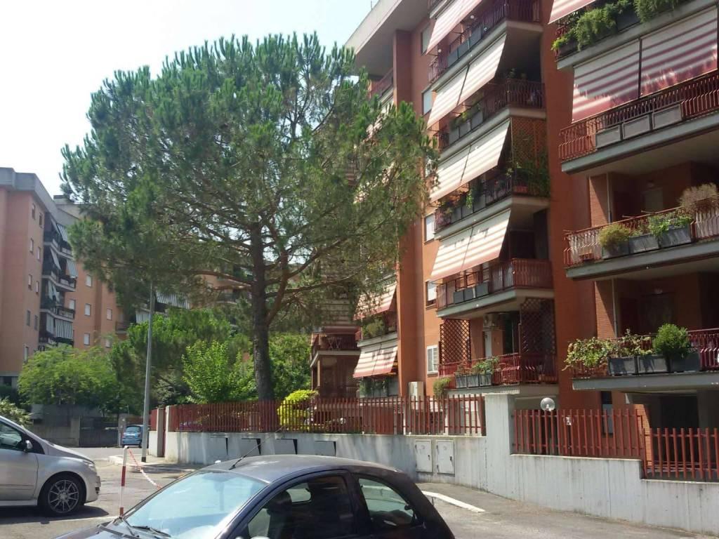 foto via moggio udinese facciata Bilocale via privata via moggio udinese 0, Roma