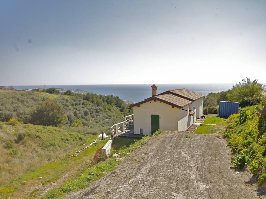 foto  Single family villa corso Dante Alighieri, Castellaro