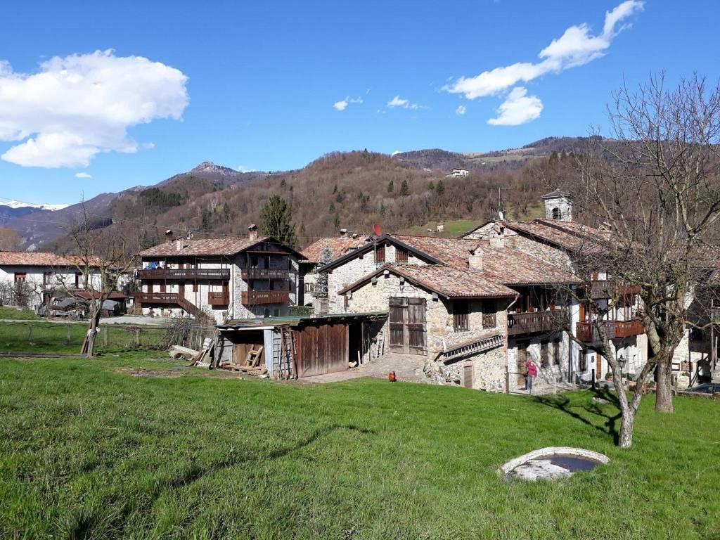 foto Borgo di Oneta Detached house via Oneta, San Giovanni Bianco