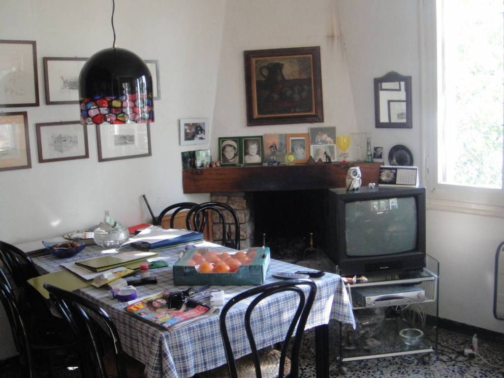 foto  Country house, good condition, 220 sq.m., Canossa