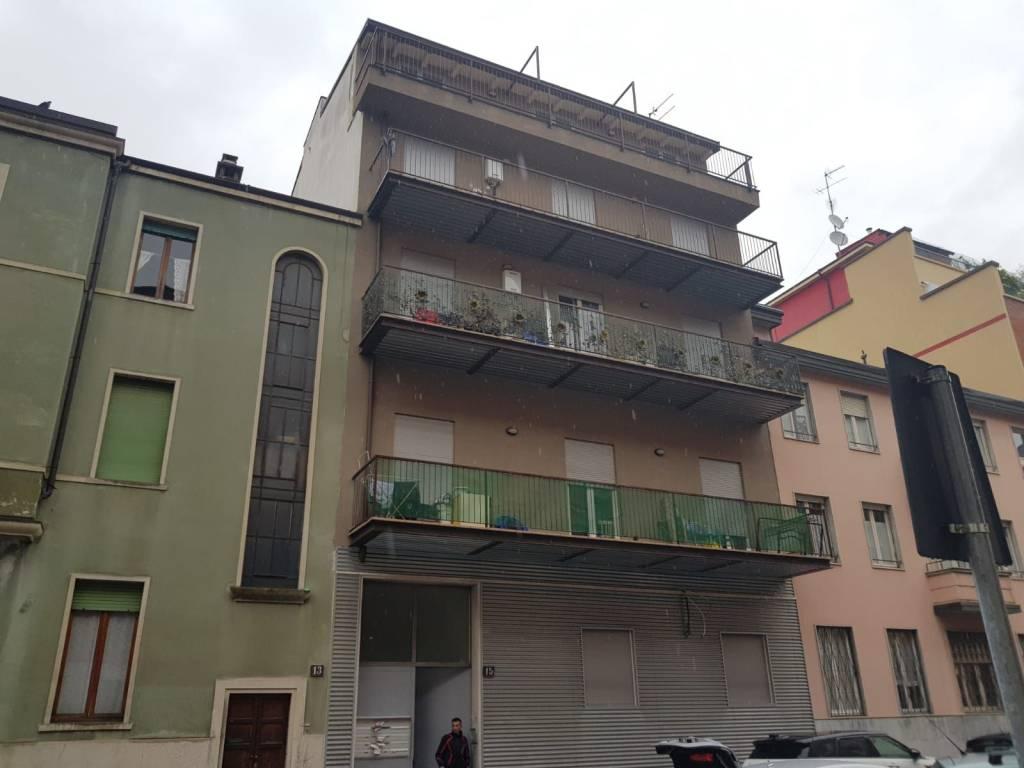 foto 1 Trilocale ottimo stato, quinto piano, Milano