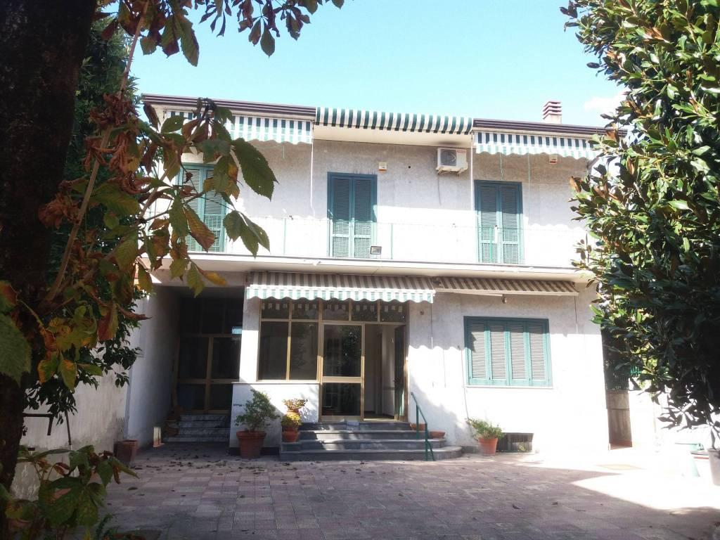 foto FACCIATA ANTISTANTE Single family villa via Roma 30, Cesa