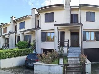 Photo - Terraced house via Giacomo Brodolini 16, Campegine