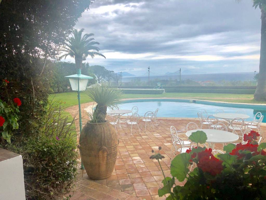 Piscina A Torre Del Greco vendita villa unifamiliare in via della gioventù torre del