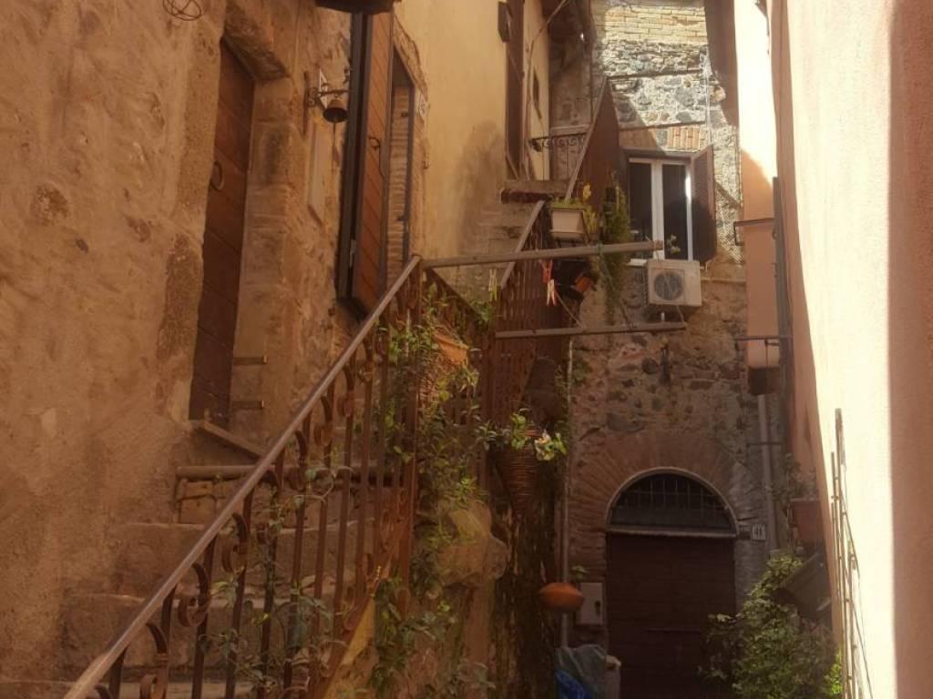 foto  Open space via Umberto I, Trevignano Romano