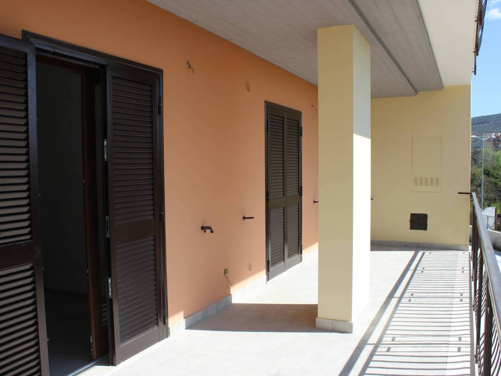 foto esterno Dreizimmerwohnung via Caudina 405, Maddaloni