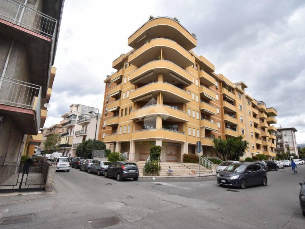 foto ESTERNO Trilocale via Aldo Moro traversa 9 16, Reggio Calabria