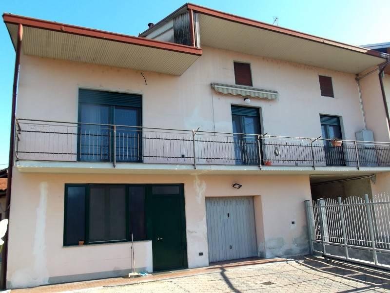 foto  Casa indipendente via Roma, Vaprio d'Agogna