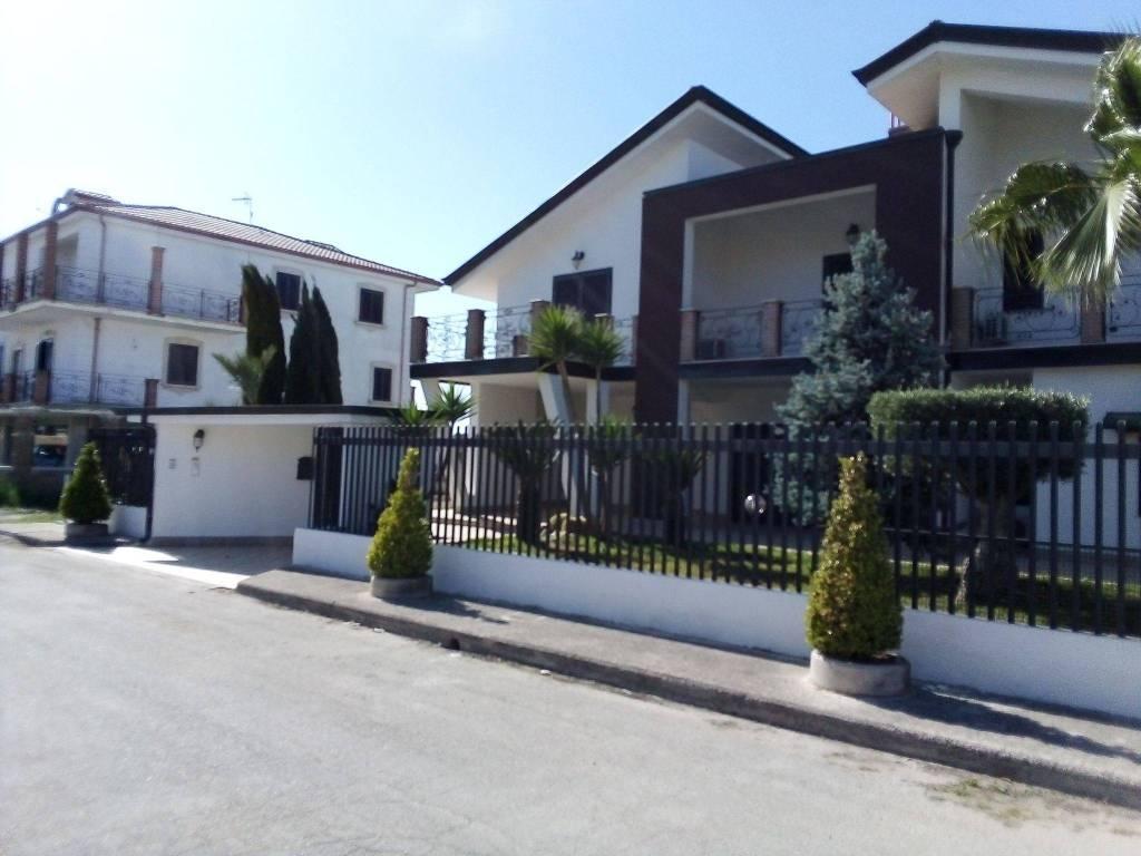 foto  Villa unifamiliare via Giovanni Paolo II 11, Cancello ed Arnone