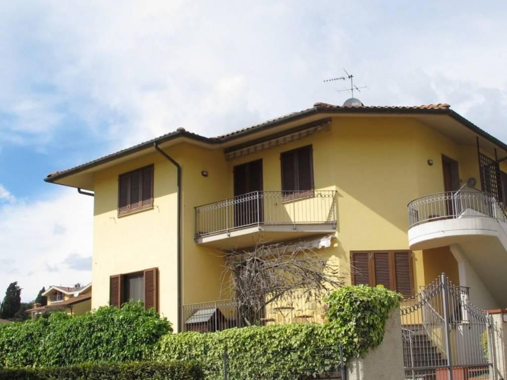 foto Facciata Appartamento via Galileo Galilei, Vinci