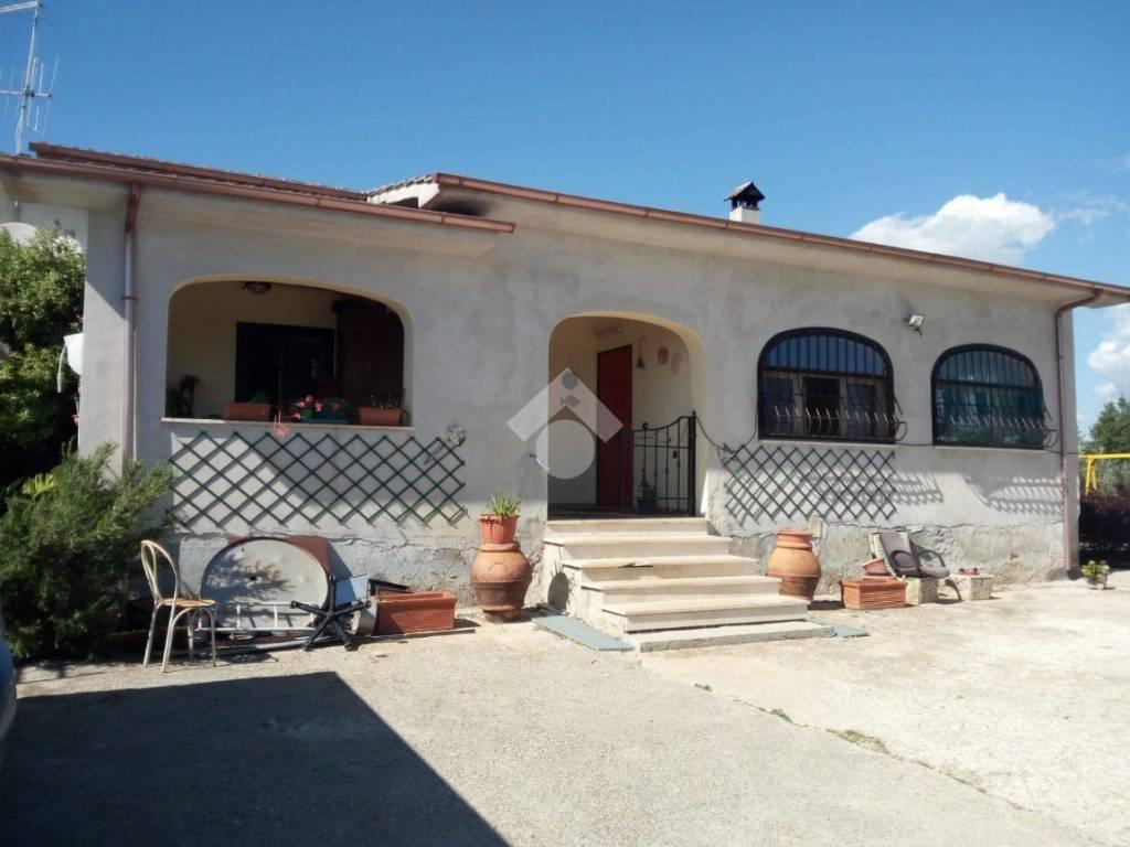 foto  Single family villa, excellent condition, 180 sq.m., Velletri