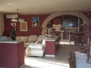 Foto - Casa indipendente 400 mq, buono stato, Paruzzaro