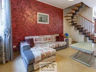 Photo - 3-room flat via Dante Alighieri, Pioltello