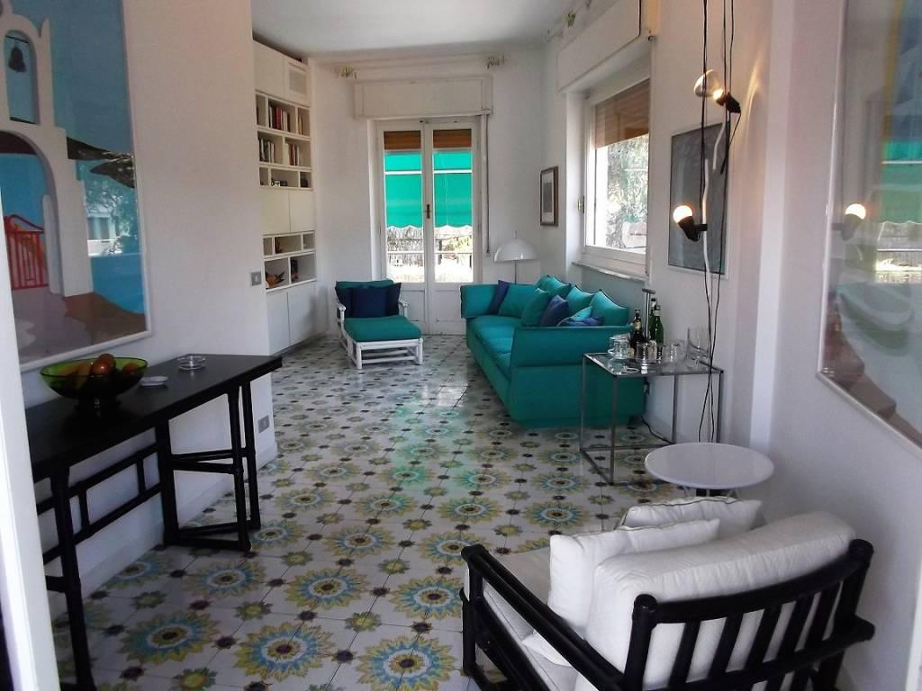 foto soggiorno Quadrilocale buono stato, ultimo piano, Santa Margherita Ligure