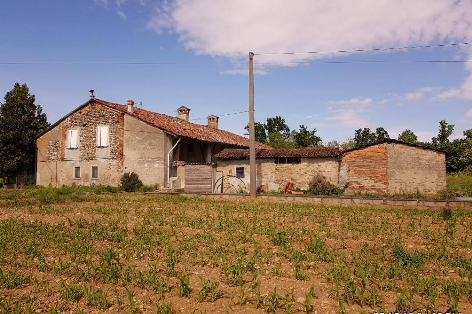 foto  Country house, good condition, 13280 sq.m., Pumenengo