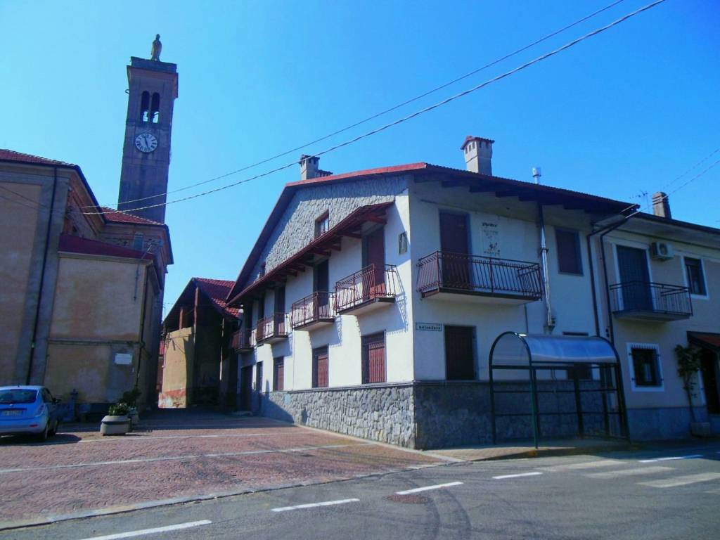 foto ESTERNO IMMOBILE Detached house piazza San Nicolao 2, Vauda Canavese