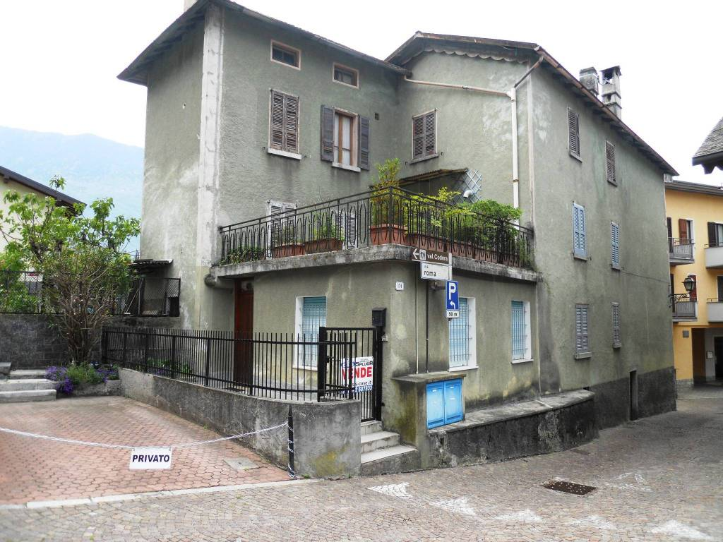 foto Esterna 3-room flat via Roma, Novate Mezzola