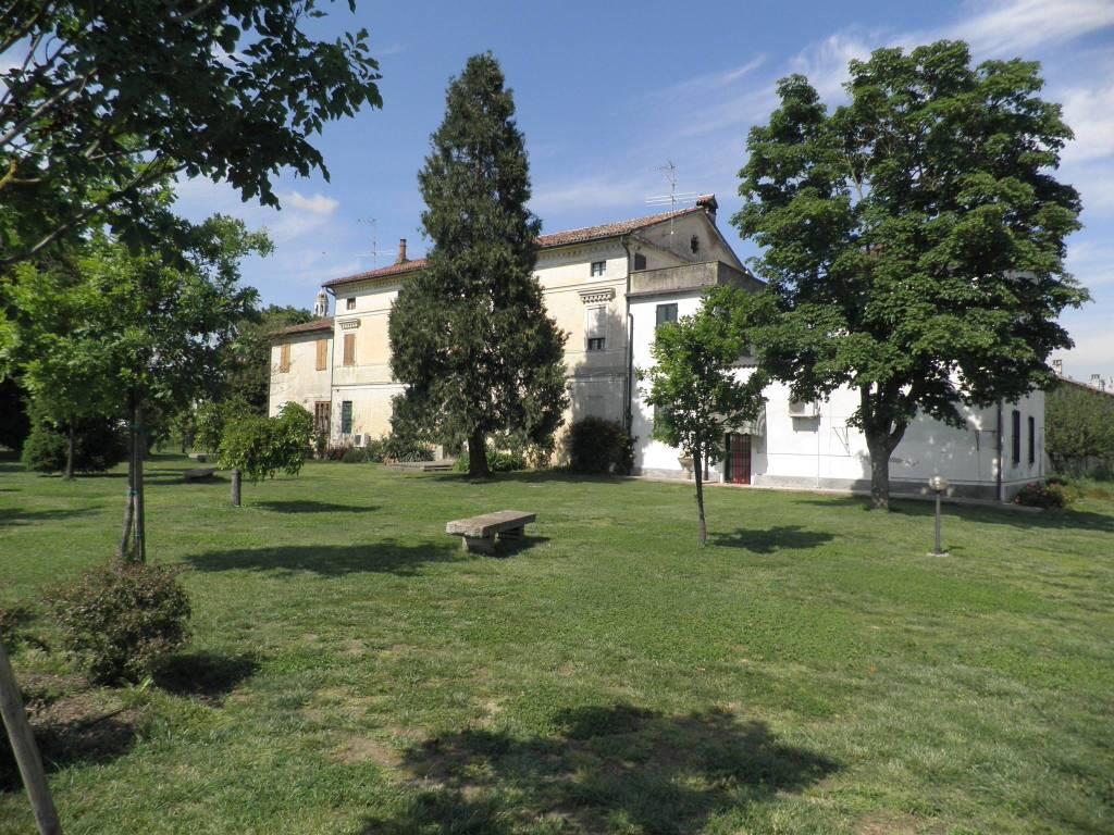 foto Casa padronale Casale via Brancere, Stagno Lombardo