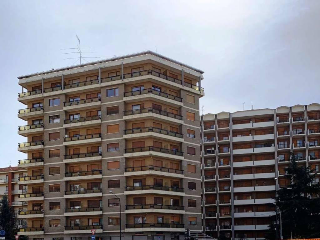 foto FACCIATA (1) Appartamento corso Grosseto, Torino
