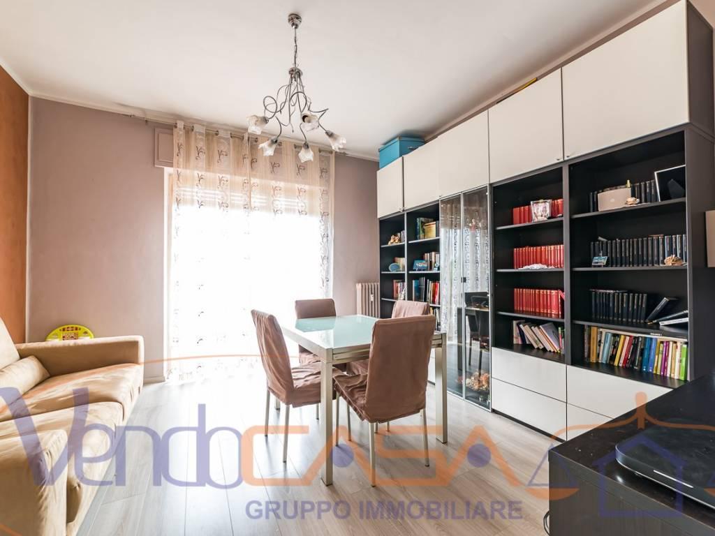 foto Soggiorno 4-room flat via Roma 3, Verzuolo