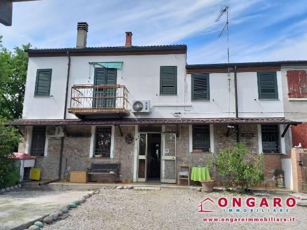 foto  Casa indipendente via Argine Volano 41, Copparo