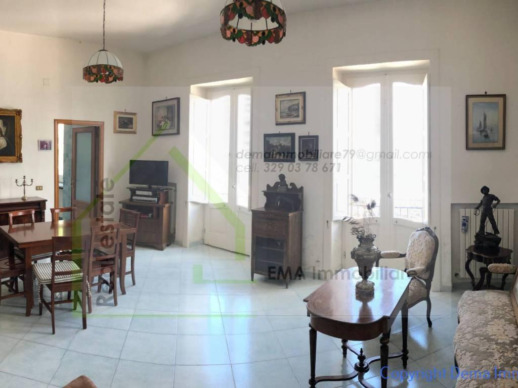 Vendita Appartamento Sorrento. Trilocale in via Marina ...