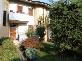 Foto - Villa a schiera via Papa Giovanni XXIII 7, Mantegazza, Vanzago