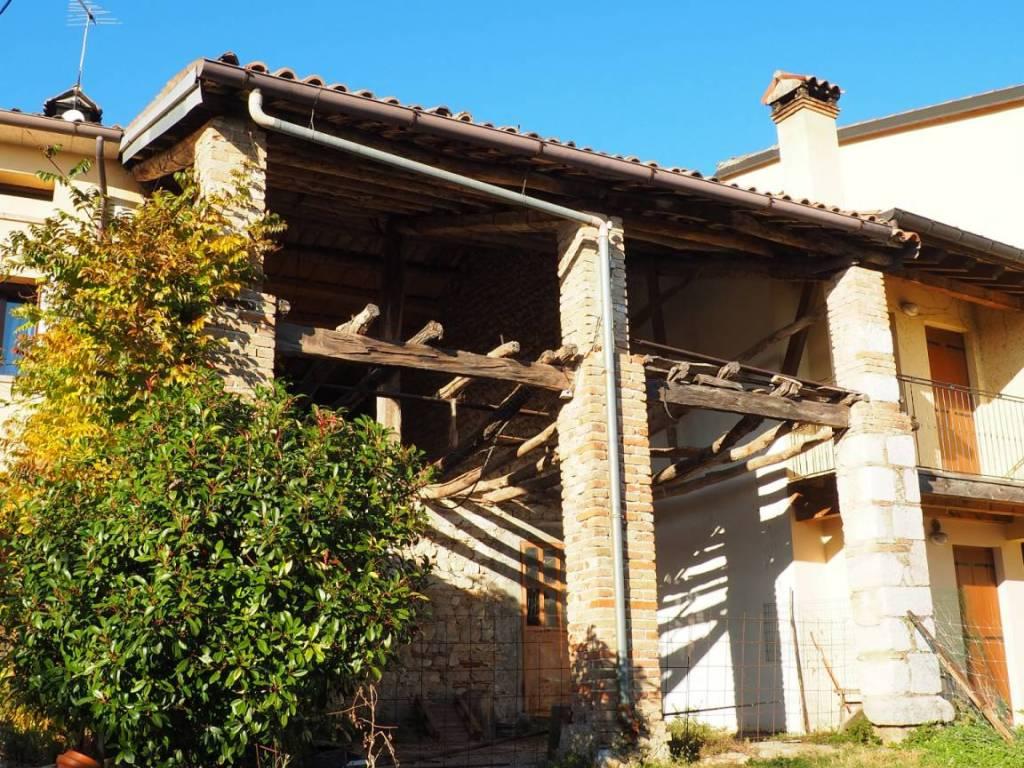 foto  Country house, to be refurbished, 225 sq.m., Borso del Grappa