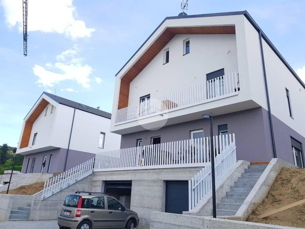 foto  Two-family villa strada barere, Gassino Torinese