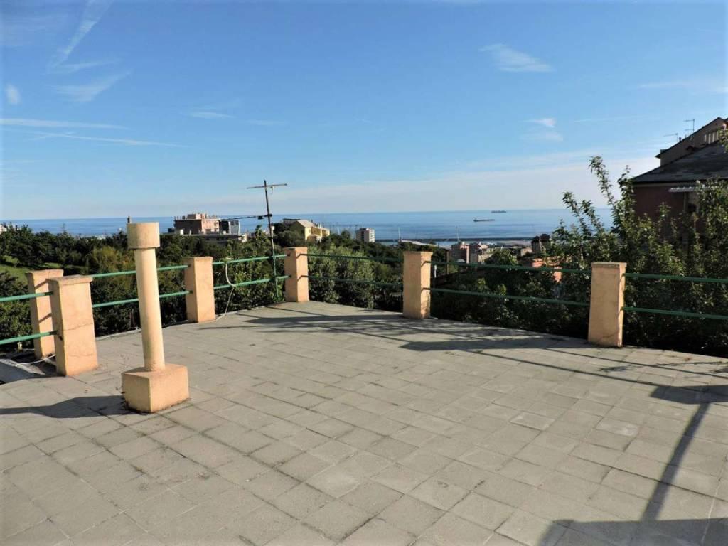 foto TERRAZZO Μονοκατοικία salita Superiore Salvator Rosa, Genova