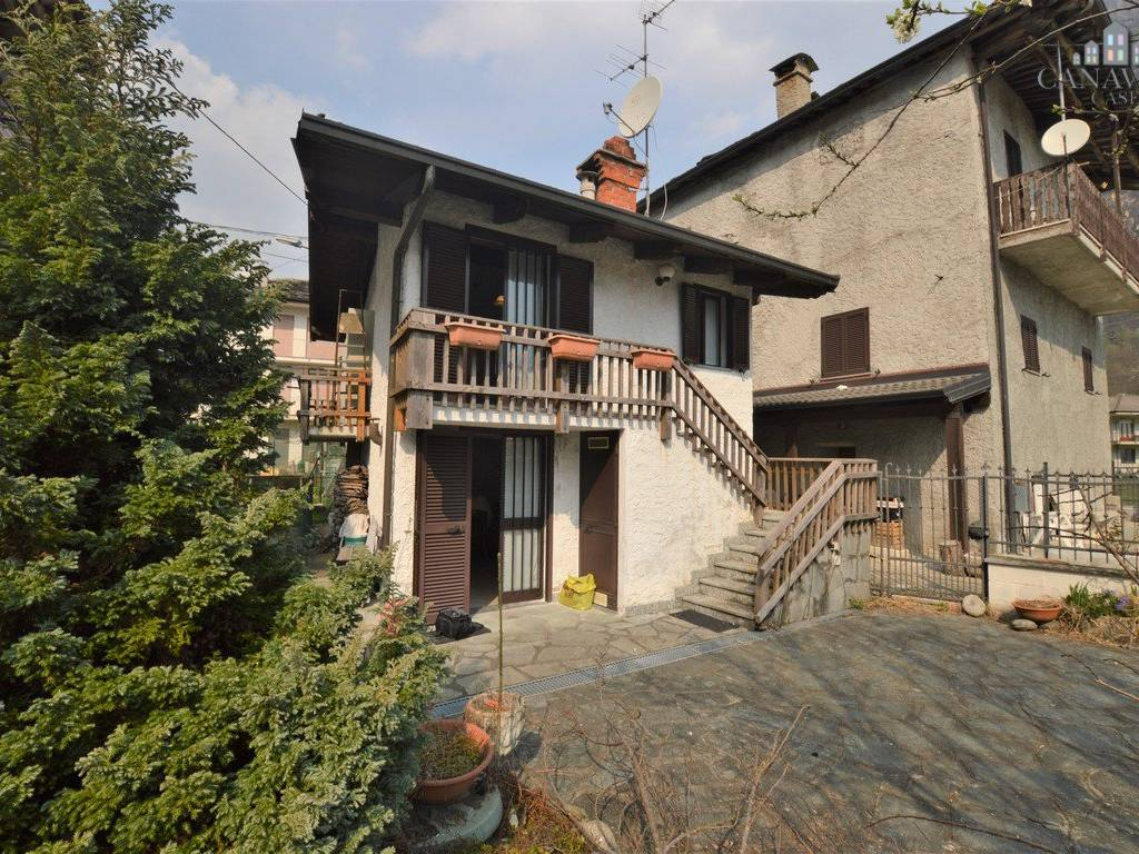 foto facciata Detached house frazione Praie 63, Locana